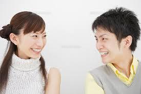 話しかけずに好きな人を一瞬で一目惚れさせる方法!恋愛感情を起こさせるには?