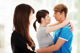 彼氏が付き合っていることを周りに隠したがる心理とは?内緒で付き合う意外なメリット