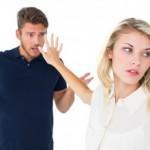 もしかして浮気!?彼女が彼氏に突然冷たい態度を取る理由と解決方法